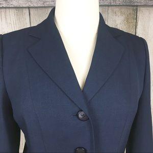 Beautiful Le Suit Navy Suit with Pants-Size 14